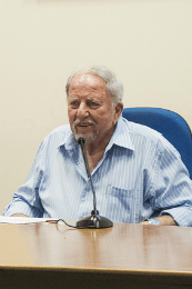 Professor Rroberto Smith